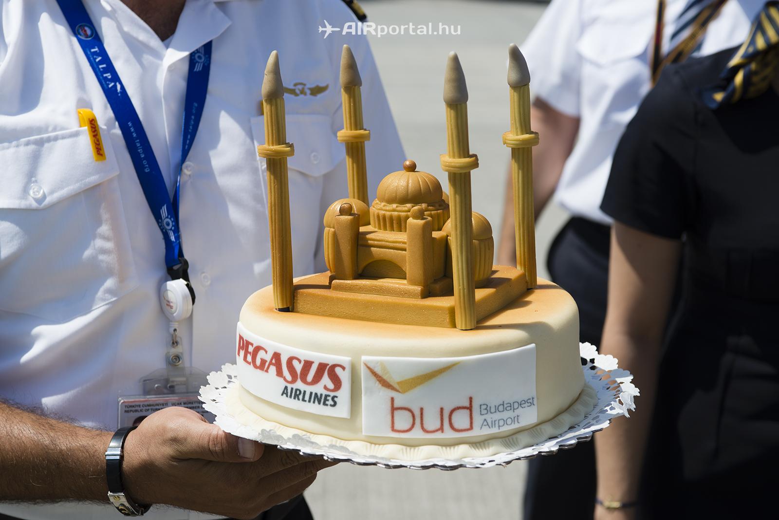 Új légitársaság Isztambulból: megérkezett a Pegasus